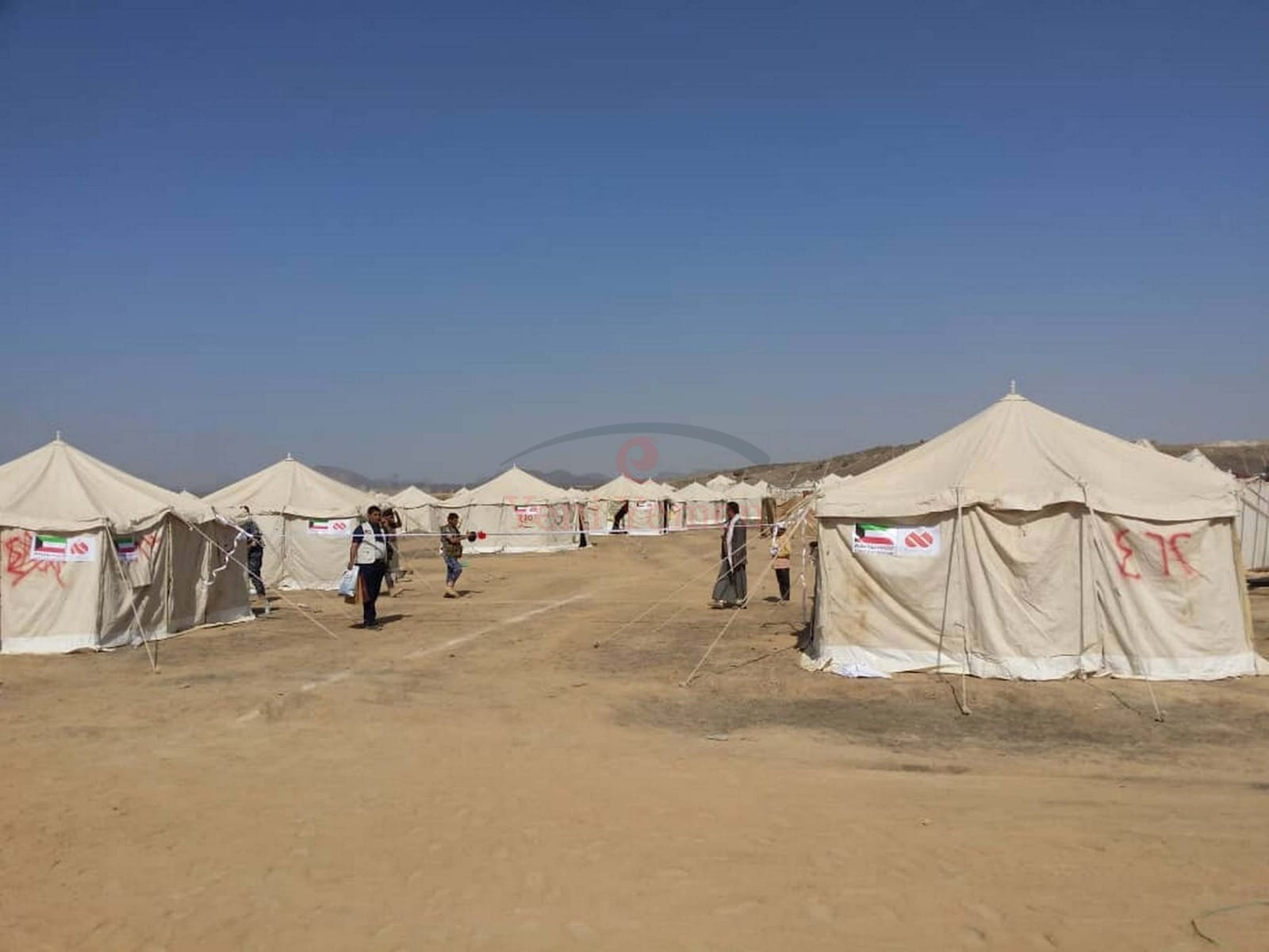 مأرب: إدارة المخيمات تدعو النازحين إلى توخي أقصى درجات الحذر