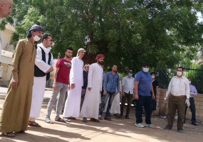 """السفير المداوي لـ""""المشاهد"""" : هناك متابعة مستمرة لحل مشكلة العالقين في السودان"""