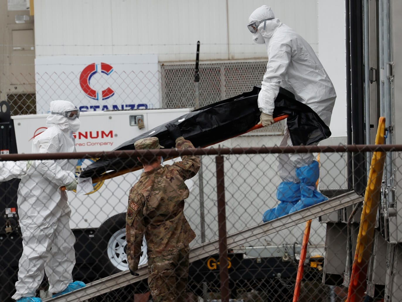 اليمن: الجيش الأبيض في معركة غير متكافئة مع فيروس كورونا