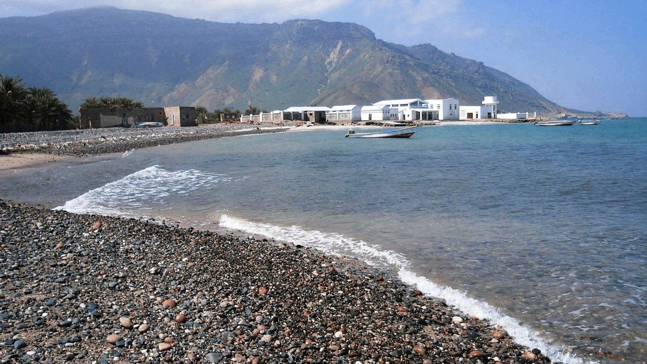 مركز الأرصاد يحذر المواطنين في جزيرة سقطرى