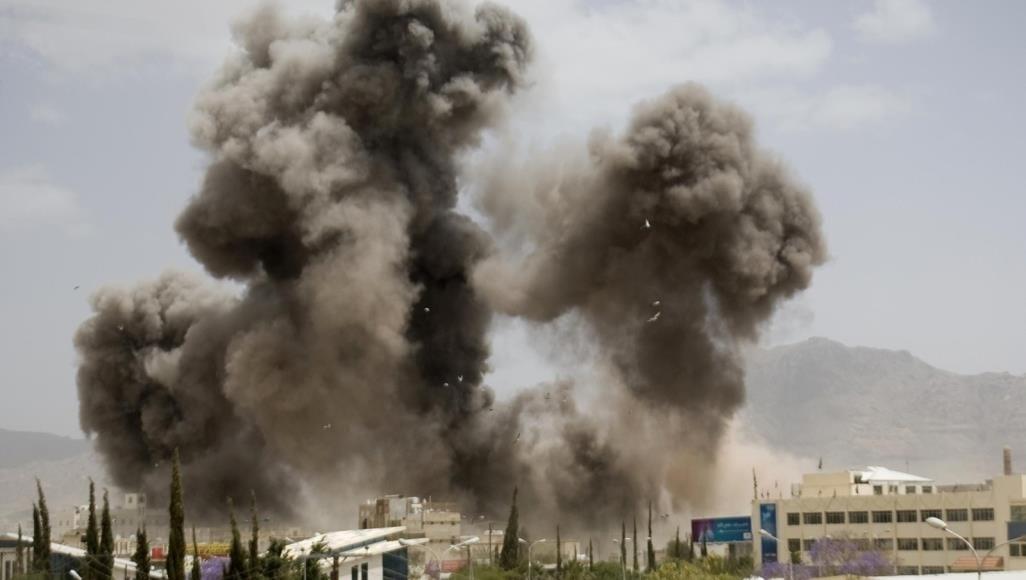 الحوثيون: سقوط ضحايا جراء غارات التحالف