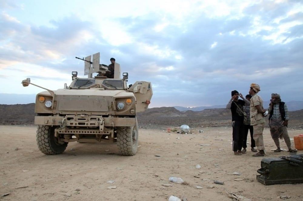 إصابة قائد عسكري حكومي في تجدد معارك أبين