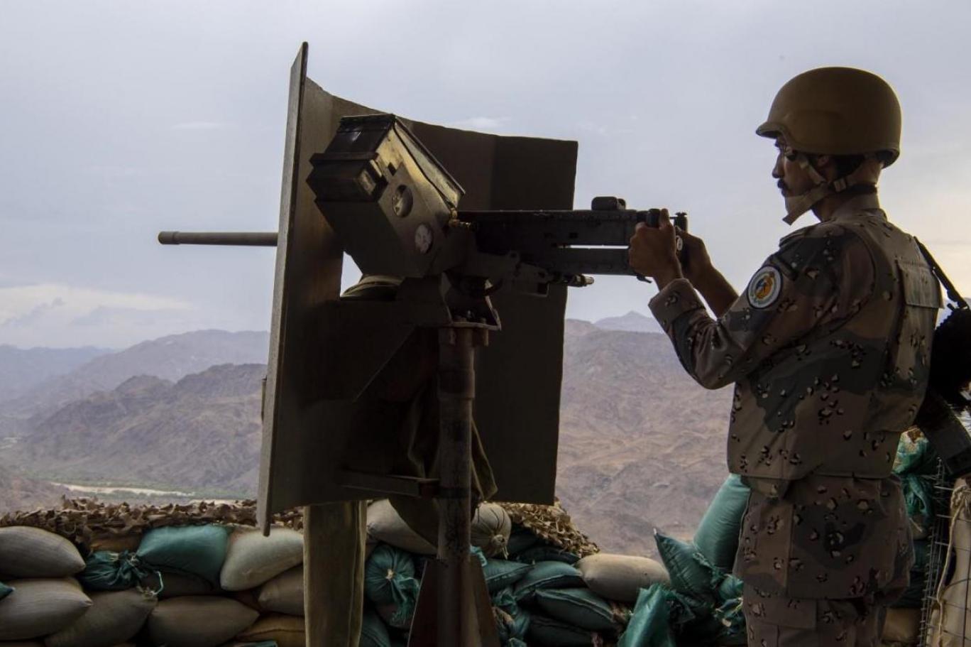 السعودية تبحث إنشاء منطقة عازلة مع الحكومة اليمنية