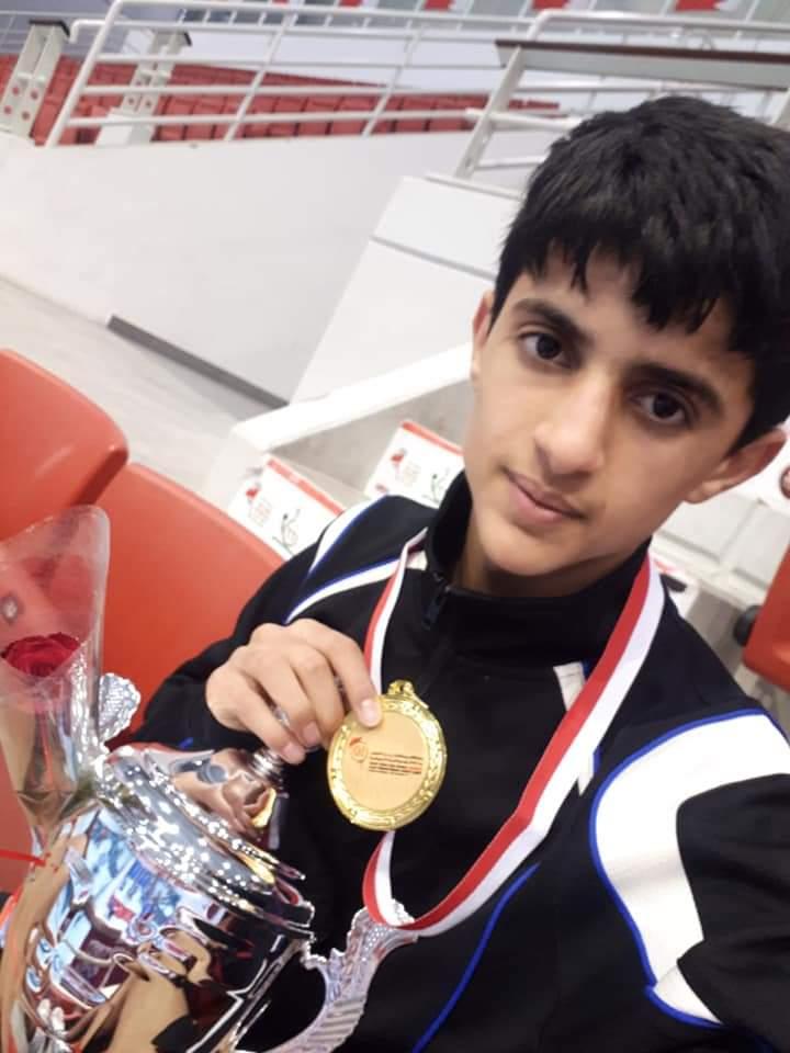 طفل يمني يحتل مركزًا متقدمًا بالتصنيف العالمي لكرة الطاولة