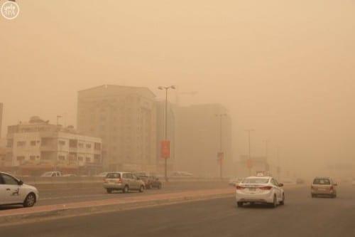 استمرار موجة الغبار على المناطق الساحلية والصحراوية