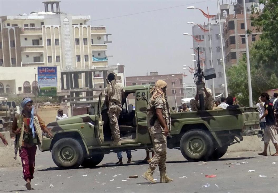 ارتفاع حصيلة اشتباكات عدن إلى 19 قتيلًا وجريحًا