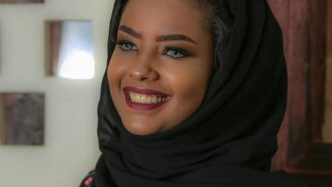 """صنعاء.. عقد أولى جلسات محاكمة الفنانة """"انتصار الحمادي"""""""