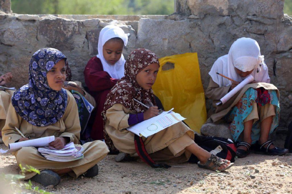 ازدياد أعداد المحرومين من التعليم باليمن