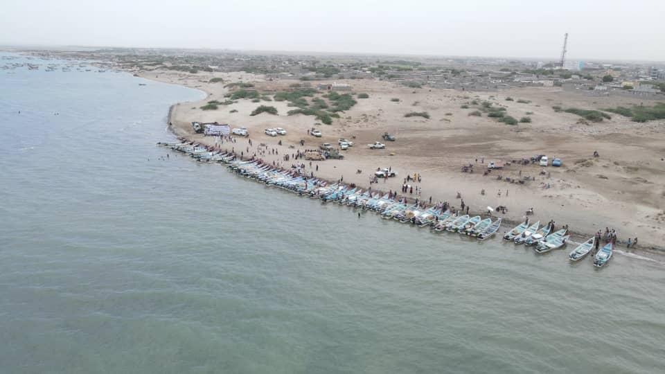 توزيع قوارب صيد للصيادين المتضررين غرب اليمن
